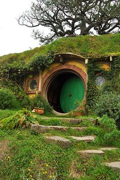 hobbit hole happy with my hobbit hole by shadowfaxcreations landscape and horticulture. Black Bedroom Furniture Sets. Home Design Ideas