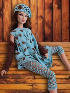 Make leggings with vatigated wool Barbie Clothes Patterns, Crochet Barbie Clothes, Doll Clothes Barbie, Barbie Dress, Barbie Mode, Barbie And Ken, Barbie Knitting Patterns, Barbie Accessories, Clothes Crafts