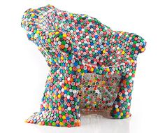 Soda Bottle Cap Chair By BRC Designs #recyclage #fauteuil