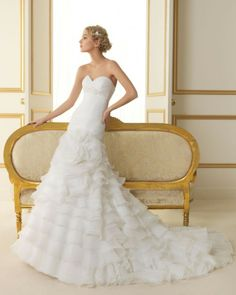 168 TOLEDO / Wedding Dresses / 2013 Collection / Luna Novias