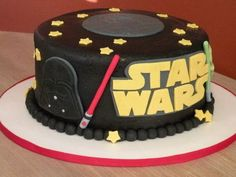 star wars cake for the grooms cake? I bet Rich would love this! - Star Wars Cake - Ideas of Star Wars Cake - star wars cake for the grooms cake? I bet Rich would love this! Bolo Star Wars, Star Wars Bb8, Star Wars Cake, Star Wars Party, Fondant Cakes, Cupcake Cakes, Aniversario Star Wars, Bolo Cake, Gateaux Cake