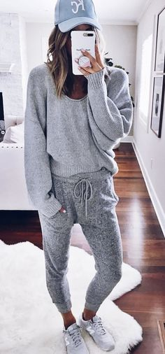 #fall #outfits gray sweat shirt and jogging pant