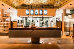 DIE GUTE BOTSCHAFT am Abend. Tim Mälzers neustes Restaurant an der Alster in Hamburg. Mi-Sa ab 18:30 Uhr geöffnet. Restaurant Hamburg, Liquor Cabinet, Storage, Furniture, Home Decor, Food Menu, Side Dishes, Clock, Purse Storage