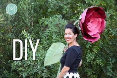"""Este es el quinto y ultimo blog post y video tutorial en la serie """"Como Hacer un Mural de Flores de Papel Gigante"""".En el mural hay 3 tipos de rosas y dos tipos de margaritas Margarita de Gigante de Papel I,Rosa de Gigante de Papel I,Rosa de Gigante de Papel II,Margarita de Gigante de Papel II, R"""