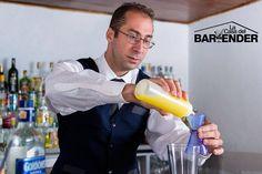 """""""El camino al èxito es la actitud"""" #LaCasadelBartender  Formamos líderes Bartenders Quieres más información? Envíanos tu email"""
