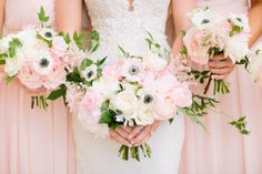 How pretty are these light pink and white floral bouquets from R Love Floral and Events? Captured by The Tarnos #bridesofnorthtx #wedding #bouquet