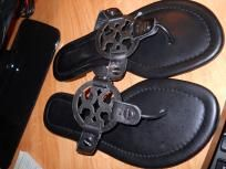 Tory Burch Sandals size 39. Great condition! Free ship!!!