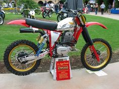1978/79 Honda XR500 motor tucked into a custom frame and heavily modified.