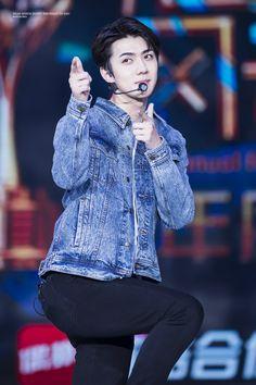 Oh Sehun (오세훈) Exo Photos Gallery❤ Baekhyun Chanyeol, Exo Memes, Kris Wu, Kpop Exo, Park Seul, Tao, Rapper, Sung Joon, Sehun Cute