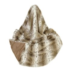 Relax in sheer luxury with this faux fur throw from Helen Moore. Lovingly handmade in the UK, the combination of faux fur & gorgeous animal print makes it truly irresistible & perfect to cosy up wi...