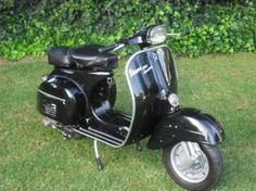 This is a 1972 Vespa 150 Sprint that has just been fully refurbished by Vespamania in Pretoria.  The following was done during the refurbishment: | 33428883