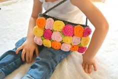 #Crochet roses purse free pattern from @mamainastitch