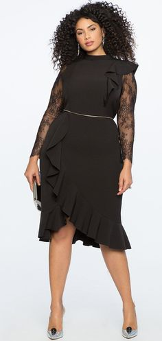 15 Plus Size Party Dresses {with Sleeves} - Plus Size Cocktail Holiday Party Dresses - Plus Size Fashion for Women - alexawebb.com #alexawebb #plussize #partydress