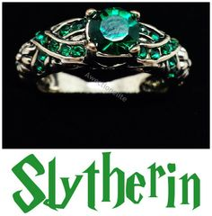 Harry Potter Slytherin House Ring - Deluxe Edition - Green Austrian Crystal