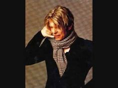 ▶ David Bowie - Growin' Up - YouTube Written by Bruce Springsteen, Bowie recorded a version of GROWIN' UP in 1973, but the track wasn't released until 1990 when it was included as a bonus track on the reissue of his covers album Pin Ups album.