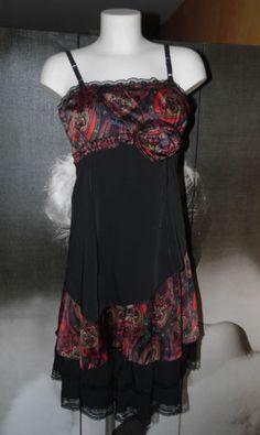 DES-FILLES-A-LA-VANILLE-Robe-TAILLE-M-Valeur-boutique-52-REF139-1