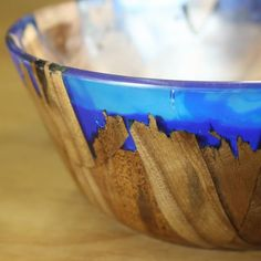 DIY Wood and Resin Bowl Captures the Beauty of a Shimmering Ocean Shore