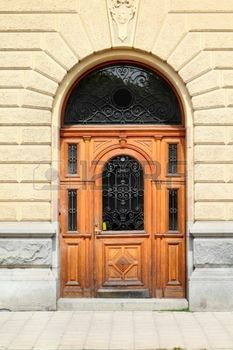 Estocolmo, Suecia. Hermosa puerta de madera, la arquitectura antigua. photo