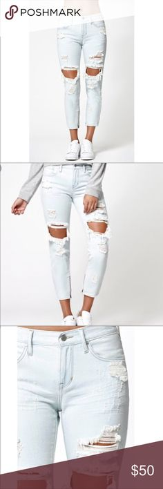 Kendall & Kylie Destroyed Ripped Mom Jeans NEW with tag ! Thanks for shopping @toowendy ! 😊 Kendall & Kylie Jeans Boyfriend