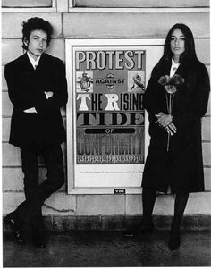 Protest against the rising tide of conformity, Bobby Dylan, Joan Baez