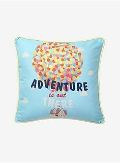 Disney Pixar Up Adventure Throw Pillow Cover - Kissen Disney Pixar Up, Disney Home, Disney Stuff, Blue Pillows, Throw Pillows, Disney Pillows, Disney Bedrooms, Cool Comforters, Diy Pillow Covers