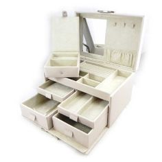 """Jewellery box leather """"So British"""" ivory light grey.  by Les Tresors de Lily"""