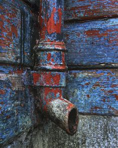 Ancient storm drain by Ian Cameron - blue Rust Never Sleeps, Rust Paint, Rust In Peace, Peeling Paint, Rusty Metal, Color Shapes, Pics Art, Abstract Photography, Texture Art