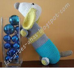 Tutorial de amigurumi: Perro salchilla | Manualidades Amigurumi Tutorial, Crochet Animals, Creative Gifts, Lana, Diy And Crafts, Toys, Handmade, Dachshunds, Alabama