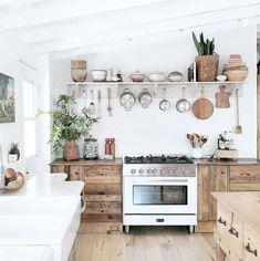 Rustic Meets Refined In An Inspiring Californian Ranch (my scandinavian home) - . - Rustic Meets Refined In An Inspiring Californian Ranch (my scandinavian home) – - Küchen Design, House Design, Interior Design, Boho Kitchen, Kitchen Dining, Kitchen Wood, Hippie Kitchen, Kitchen Pantry, Kitchen Tiles