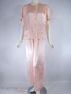 Vintage Silky Pink Rayon Pajamas Lounging Set - sm by Better Dresses Vintage Vintage Nightgown, Vintage Dresses, Nice Dresses, 40s Fashion, Vintage Fashion, Vintage Closet, Retro Clothing, Pajama Party, Pink Princess