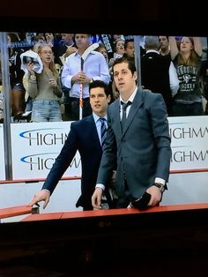 Sidney Crosby and Malkin, two top guys. Hot Hockey Players, Nhl Players, Flyers Hockey, Pens Hockey, Ice Hockey, Hockey Stuff, Pittsburgh Sports, Pittsburgh Penguins, Nhl Entry Draft