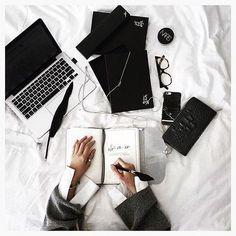 Siz de cumartesi çalışanlardan mısınız ?  #kapisle #kapislemoda #saturday #pleasure #work #fashion #photography #photooftheday #daily #instadaily
