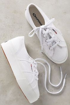 Superga Platform Sneakers - a pair of these ☝️ White Platform Sneakers, White Sneakers, Shoes Sneakers, Veja Sneakers, Summer Sneakers, Sneakers Women, Black Platform, Cute Shoes, Me Too Shoes