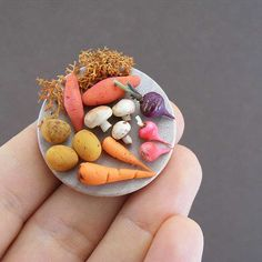 Miniature sculpture created by talented sculptor, Shay Aaron. Based in Tel Aviv, he creates food items at very small scale. Fruit And Veg, Fruits And Veggies, Vegetables, Food Sculpture, Sculptures, Biscuit, Edible Food, Veggie Tray, Tiny Food