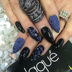 Black and purple flowers rhinestones nails pointed stiletto long Love Nails, How To Do Nails, Pretty Nails, My Nails, Nail Manicure, Nail Polish, Laque Nail Bar, Rhinestone Nails, Fabulous Nails