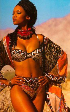 Tyra Banks - So afro chic. ~Latest African Fashion, African Prints, African fashion styles, African clothing, Nigerian style, Ghanaian fashion, African women dresses, African Bags, African shoes, Nigerian fashion, Ankara, Kitenge, Aso okè, Kenté, brocade. ~DK