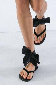 夏に履きたい♡フラットで女らしいサンダル特集 - Yahoo! BEAUTY