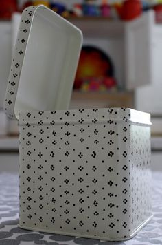 Marimekko Muija box, Maija Isola Finland Marimekko, Scandinavian Design, Kitchenware, Finland, Dinnerware, Design Art, Household, House Design, Dishes