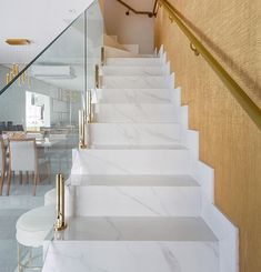 Stunning composition of this staircase! Stair Railing Design, Home Stairs Design, Interior Stairs, Modern House Design, Home Interior Design, Interior Decorating, Marble Stairs, Glass Stairs, House Staircase