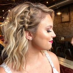 Braided Hairstyles For Wedding, Party Hairstyles, Bride Hairstyles, Hairstyles For Medium Length Hair, Work Hairstyles, Medium Hair Up, Medium Hair Styles, Curly Hair Styles, Medium Length Hairdos