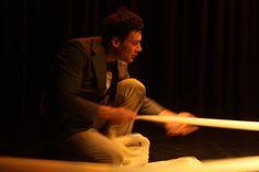 Escena 8. El ojo del huracán. El viajero contempla el mundo. Autor y coreógrafo Daniel Patiño Aguilar