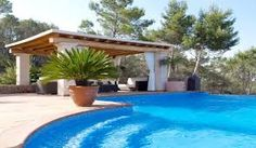 There are many benefits of spending holidays in villas in Spain. You can save a lot of money to buy gifts for your loved ones if you decide to enjoy holidays in villas.