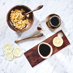 i love nature Breakfast Set, Kitchen Utensils, Chocolate Fondue, Food Inspiration, Carving, Cutting Boards, Woodworking Ideas, Wood Work, Christmas Ideas