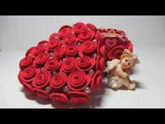 En este tutorial, aprenderás a decorar cajas con rosas hechas con foami.    Facebook: https://www.facebook.com/gustamonton  Twiteer: https://twitter.com/#!/gustamonton  Página: http://www.gustamonton.com  Música: http://www.jamendo.com/es/track/80113/03-happy-melodie
