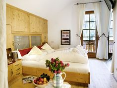 Unser Zimmer Letterspitz #Suite #letterspitz #interior #design #almwellness #Gesundheit #lesachtal #kärnten #berge #alm #almwellness #Wellness #spa #genuss #Urlaub #Natur #Austria #österreich