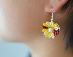 Tsumami kanzashi flower Earrings Sun / Yellow