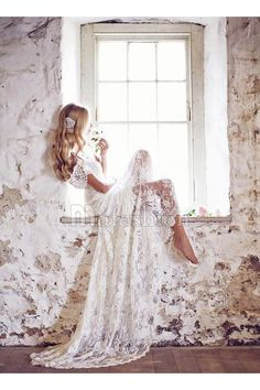 Robe de Mariée Elégant Col V Traîne moyenne Dentelle avec À ruban(s)