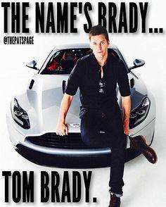 Tom Brady Football Love, Football Memes, Nfl Football, New England Patriots Merchandise, New England Patriots Football, Funny Football Pictures, Tom Brady Goat, Nfl Season, Football Season