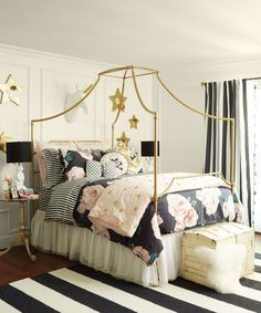 Jessica Alba recently tapped Emily Current and Meritt Elliott, who recently released their third collaboration with Pottery Barn Teen, to outfit her daughters' bedrooms.