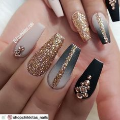 How to choose your fake nails? - My Nails Glam Nails, Fancy Nails, Bling Nails, Cute Nails, Pretty Nails, My Nails, Vegas Nails, Glitter Nails, Vegas Nail Art